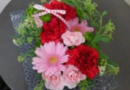 花育講座 2 「母の日のフラワーアレンジメントを作ってみよう」