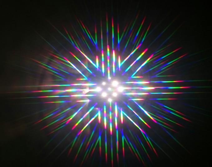 親子科学ワークショップ「光のフシギ☆レインボースコープを作ろう!」